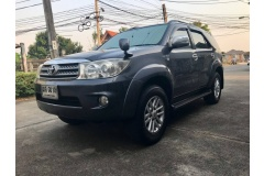 2009 Toyota Fortuner 2.7 V SUV AT